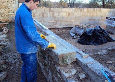 Construction des murs de la maison neuve du Mas de Charles-Livernon