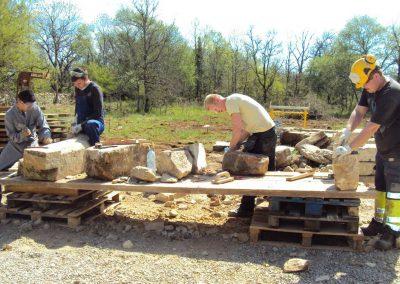 Atelier taille de pierre-Collège BACAU Roumanie-Avril-2013